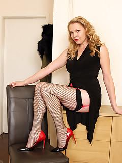 Fishnet Stockings Nylon Porn Pics
