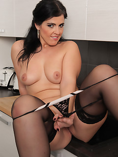 Sexy Women Nylon Porn Pics