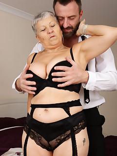 Granny Nylon Porn Pics