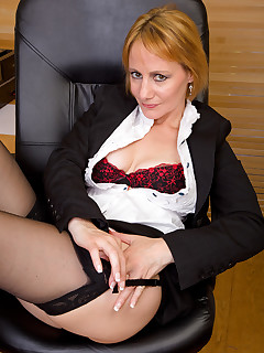 Secretary Nylon Porn Pics