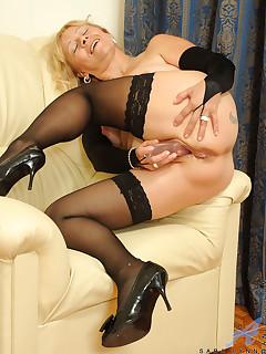 Older Women Nylon Porn Pics
