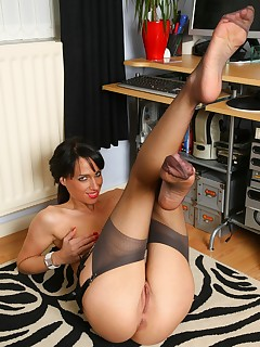 Office Nylon Porn Pics