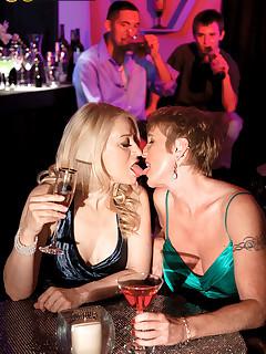 Lesbian Nylon Porn Pics