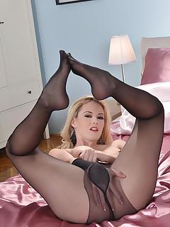 Sexy Nylon Porn Pics